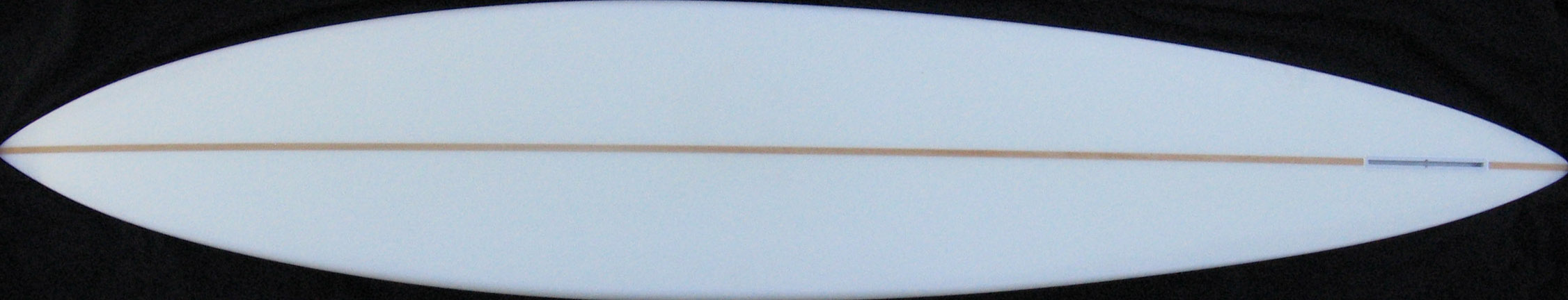 Gun surfboards are narrow both at the nose and at the tail